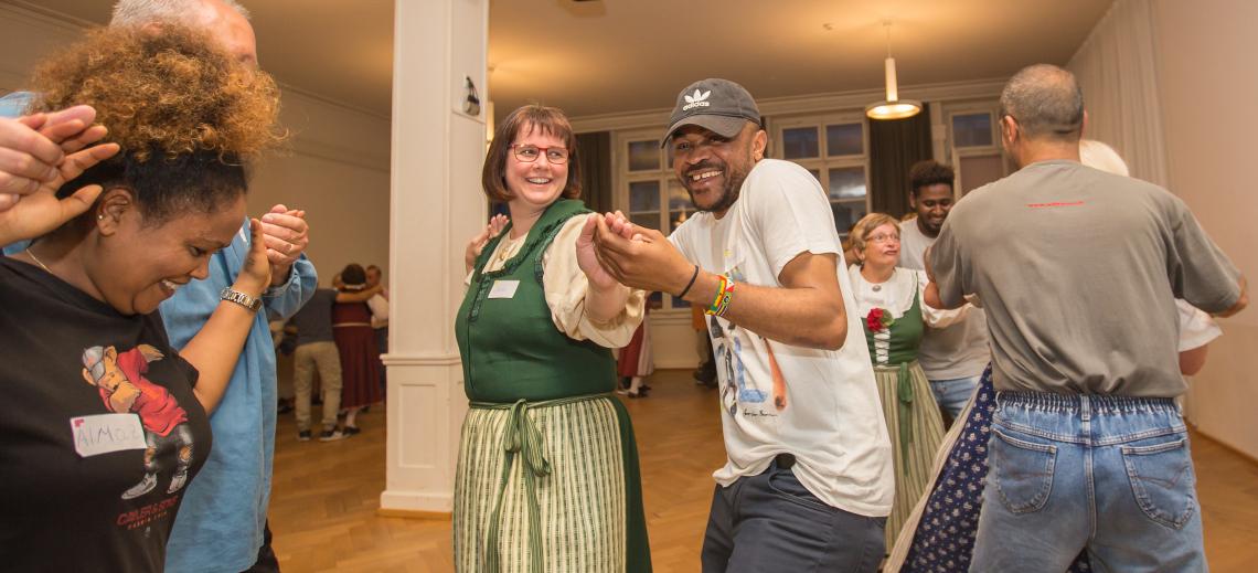 Danses folkloriques pour une Suisse solidaire